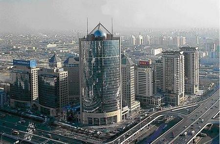 招商局大厦是北京市最高的混凝土建筑,为国际标准智能办公楼,光纤